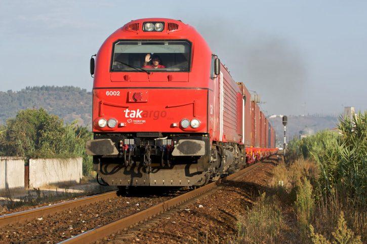 Vlak s kontejnery. Autor: Nuno Morão