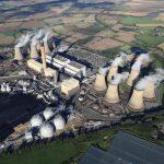 Největší britská uhelná elektrárna Drax už spaluje ze 70 % biomasu