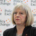 Velká Británie: Nízkouhlíková energetika nabírá zpoždění, investoři jsou v nejistotě