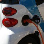 Desítky britských firem přechází na elektromobily