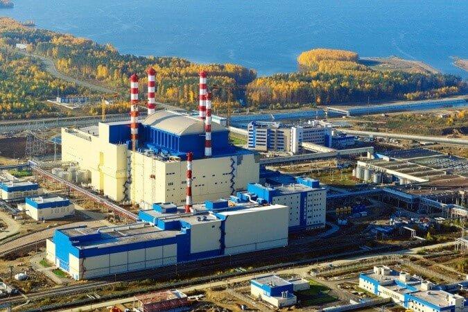 Pohled na čtvrtý blok Bělojarské jaderné elektrárny, kterým je rychlý sodíkový reaktor BN-800 (zdroj Rosatom)