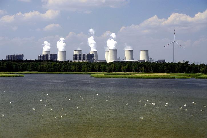 Německá uhelná elektrárna Jänschwalde. Zdroj: Vattenfall
