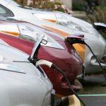IEA: Růst globálního trhu s elektromobily loni zpomalil