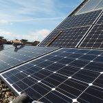 Kalifornský senátor navrhuje povinné střešní solární instalace na všech nových stavbách