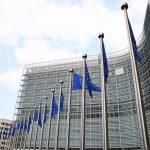 EU zvažuje zpřísnění cílů energetické účinnosti, cena povolenek klesla na dvouměsíční minimum