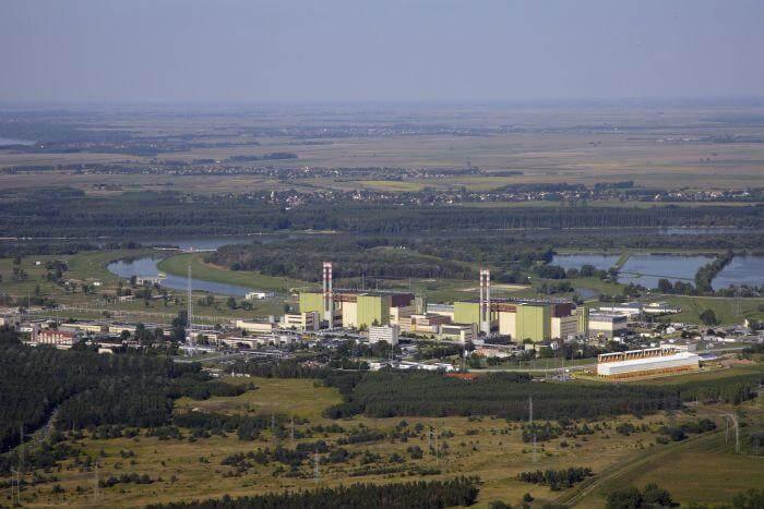 V současnosti jsou v lokalitě v provozu 4 bloky VVER-440. Zdroj: Wikimedia