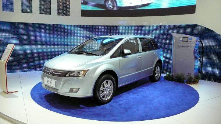 Elektromobil BYD e6
