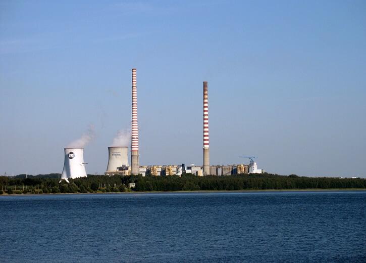 Polská uhelná elektrárna Rybnik.