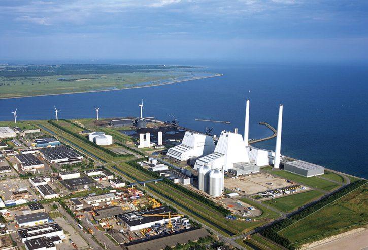 Elektrárna Avedoere v Dánsku přešla také ze spalování uhlí na biomasu (zdroj: Dong Energy)