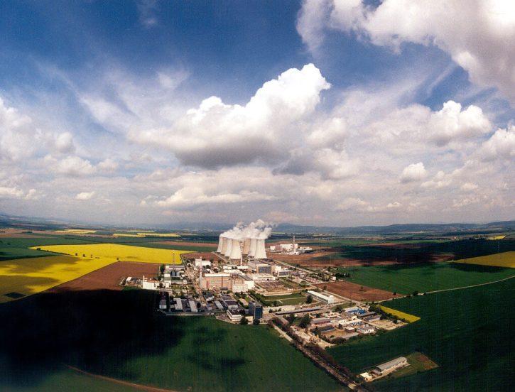 První československá jaderná elektrárna - Jaslovské Bohunice. Zdroj: Javys