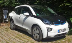 White_BMW_i3_with_charging_station