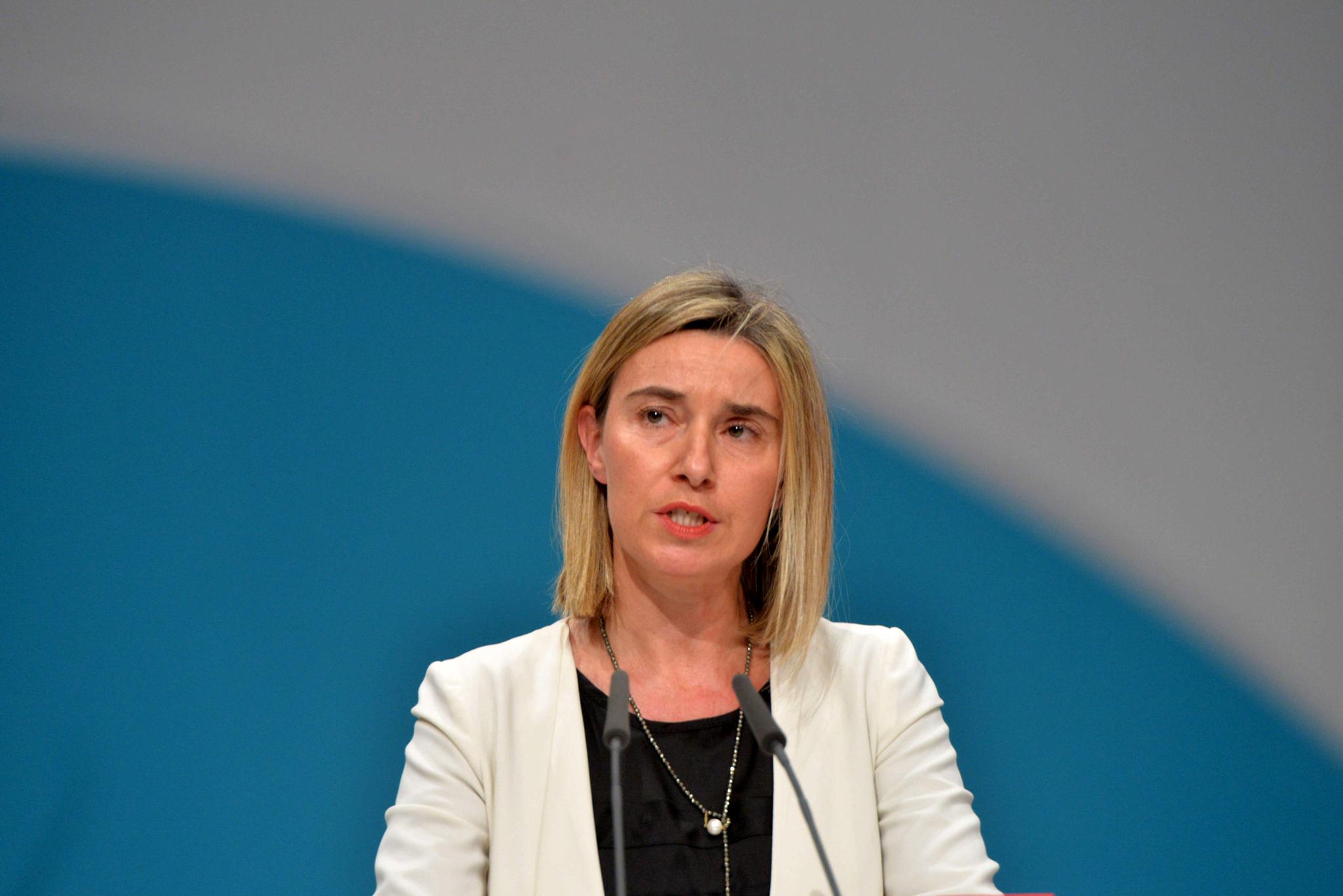2015-12_Federica_Mogherini_SPD_Bundesparteitag_by_Olaf_Kosinsky-141