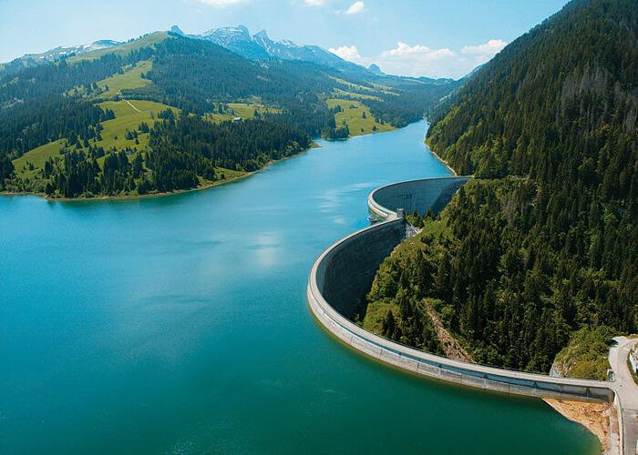 The Hongrin dam. Zdroj: http://www.alpiq.com/