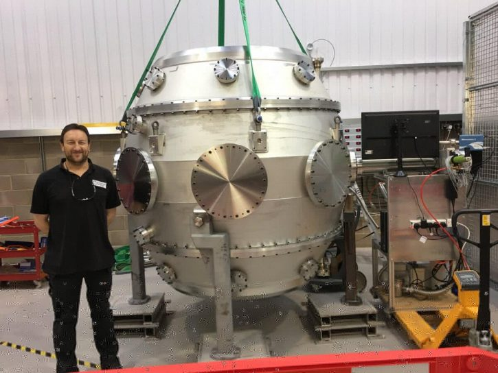 Fúzní reaktor ST40 společnosti Tokamak Energy. Zdroj: Tokamak Energy