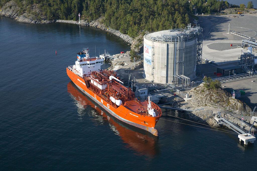 Švédský LNG terminál v oblasti Nynashamn se po své otevření v roce 2011 stal prvním zařízením v oblasti Baltského moře. Autor: Jan Arrhénborg / AGA