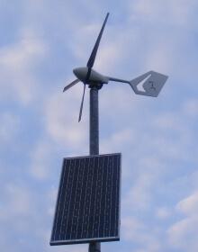 Malá větrná elektrárna AP300 o výkonu 300 W (zdroj stránky Aeroplast s.r.o)