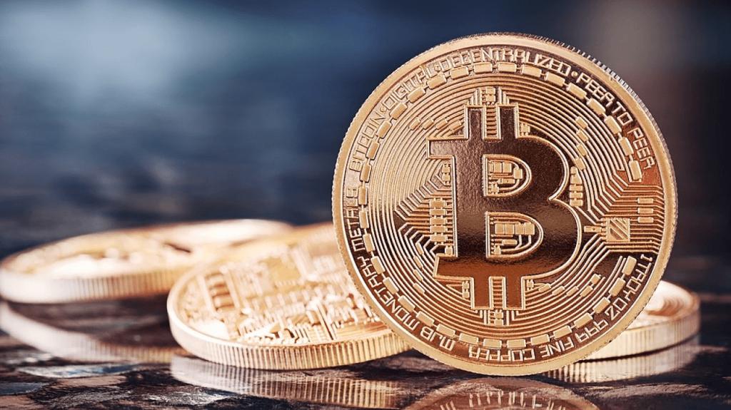 Bitcoin. Zdroje - Shutterstock