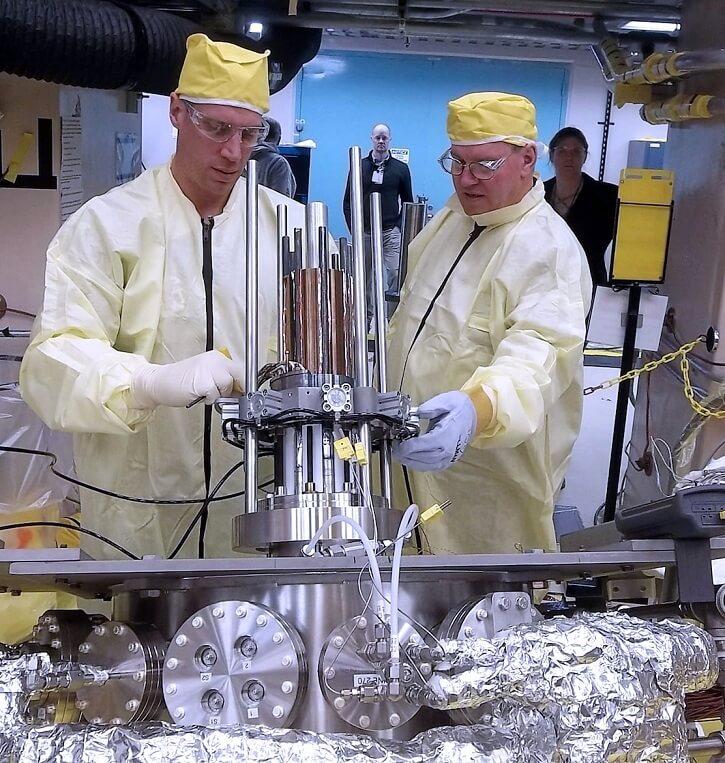 Prototyp reaktoru Kilopower při testech (zdroj NASA)