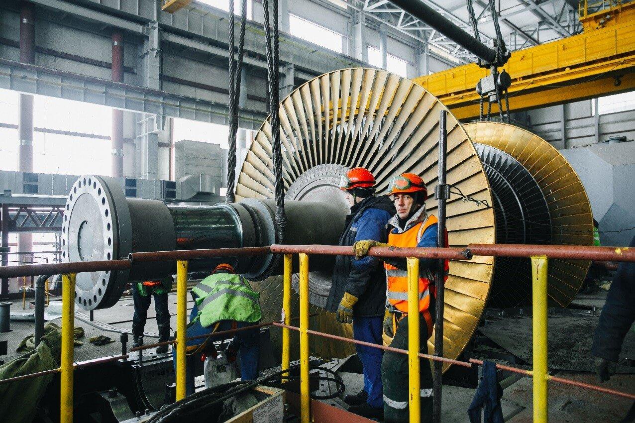 Montáž turbíny bloku Novovoroněž 7 (zdroj: Novovoroněžská elektrána/Rosenergoatom)