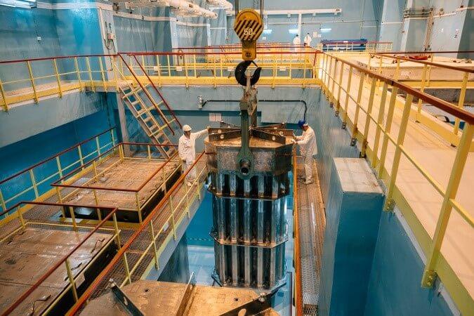 Výměna paliva v reaktoru Novovoroněž 6 (zdroj Novovoroněžská elektrána/Rosenergoatom)