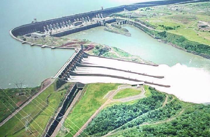 Přehrada a vodní elektrárna Itaipu (zdroj Wikipedie)