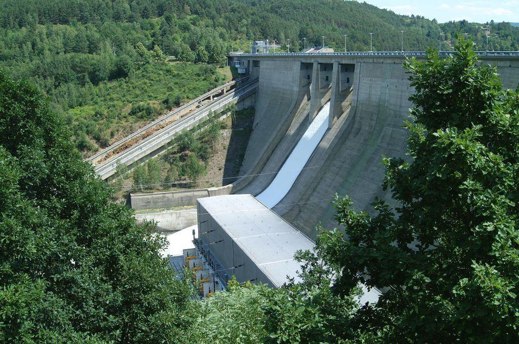 Hráz přehradní nádrže Orlík (zdroj ČEZ)