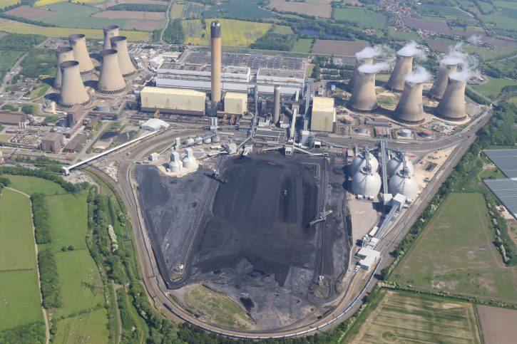 Drax power plant - elektrárna Drax. Aerial photographs by webbaviation.co.uk Zdroj drax.com