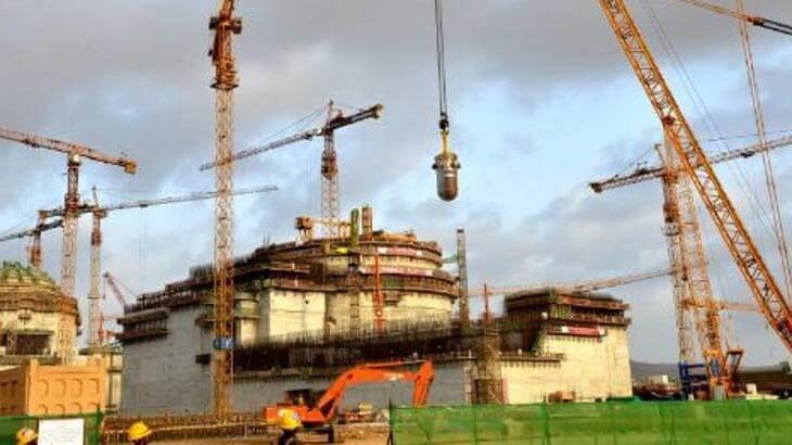 Už vdruhém bloku Hualong One vpákistánském Karáčí byla instalována reaktorová nádoba. Zatím stavba probíhá podle plánu. (Zdroj CNNC)