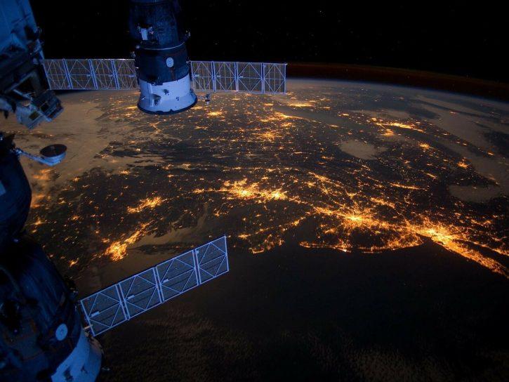 Satelity budou pomáhat s optimalizací provozu elektroenergetických sítí.