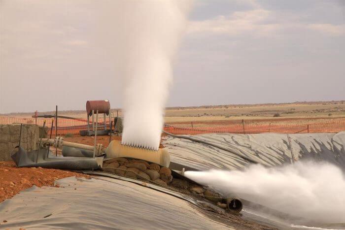 Testovací projekt v regionu Cooper Basin v Austrálii firmy Geodynamics dokázal i produkovat malé množství elektřiny (zdroj Geodynamics).