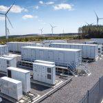 Větrná elektrárna s bateriovým úložištěm. Zdroj: Vattenfall