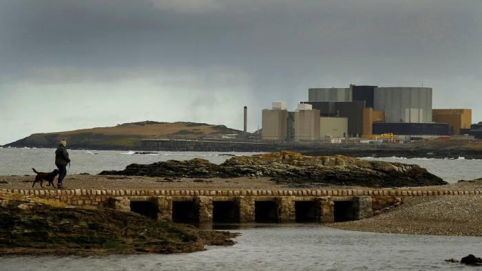 Jaderná elektrárna Wylfa, ležící na severu Walesu