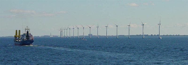 Dánsko spoléhá hlavně na větrné turbíny na pevnině i na moři (zdroj Wiki Commons).